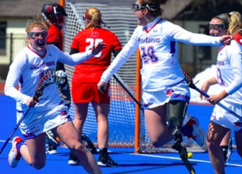 Lacrosse player has special moment after return from losing her leg